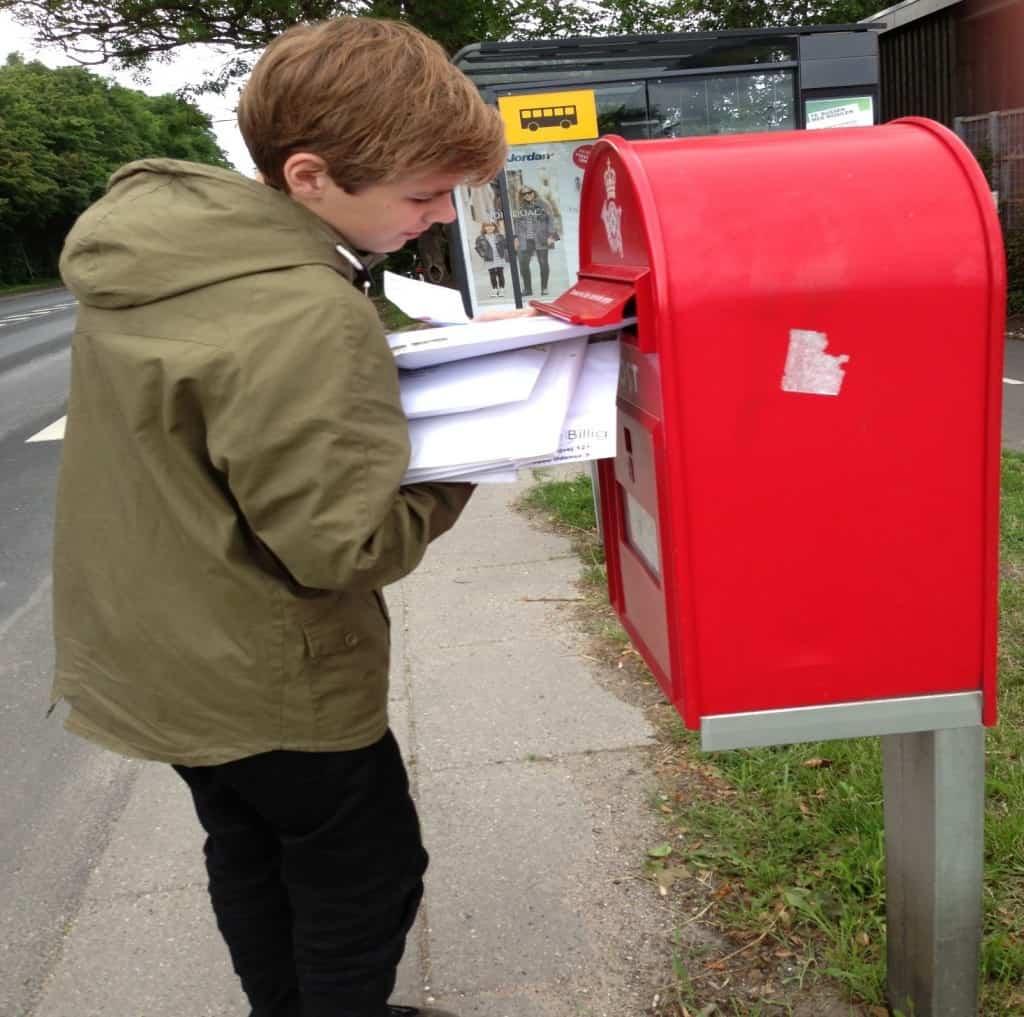 Ung iværksætter - Hjalte sender pakker